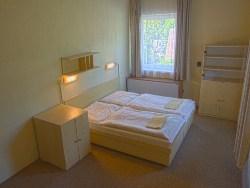 Suite: bedroom (2 beds)
