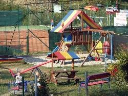 Plac zabaw dla dzieci (Rumpeľ)