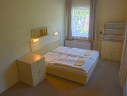 Suite: bedroom (2 beds)